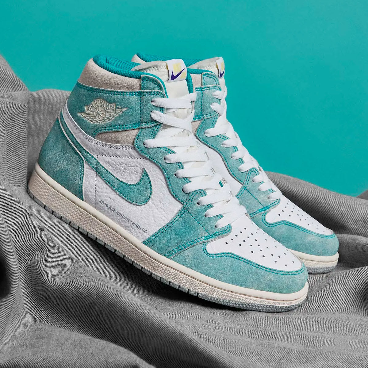 brand new 4a22f 2a50d Features   Nike Air Jordan 1 Retro High OG  Turbo Green  - Register Now on  END. Launches